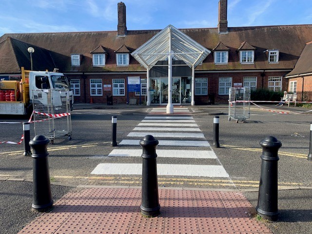 Sittingbourne Memorial Hospital front entrance from the exterior